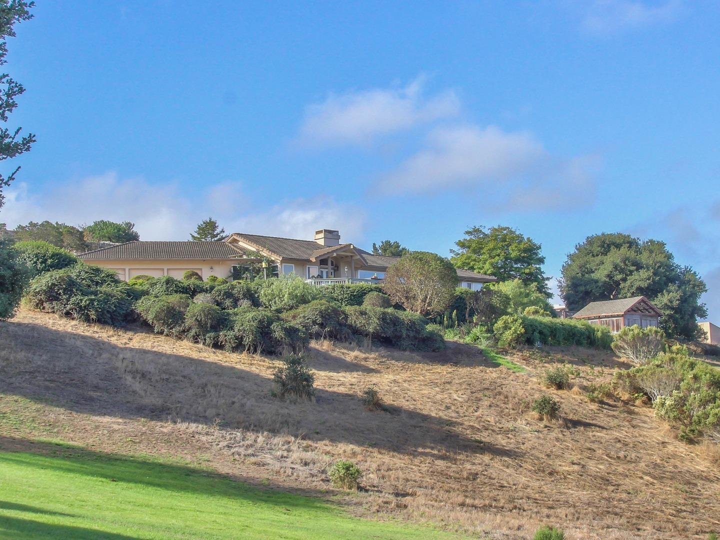 Detail Gallery Image 1 of 1 For 10730 Country Meadows Rd, Salinas,  CA 93907 - 3 Beds | 2/1 Baths